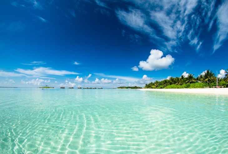 Turquoise waters in an idyllic setting